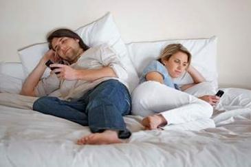 Smartphones in Bed